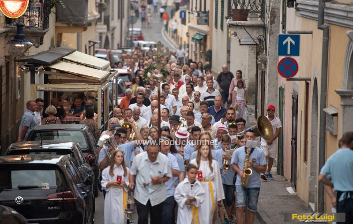 FOTO/VIDEO Procesijom, blagoslovom i druženjem obilježen blagdan Sv. Ane @ Volosko
