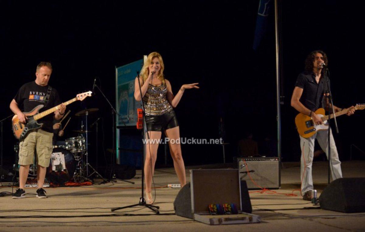 FOTO Održan Unplugged festival – 'Izštekane' verzije popularnih pjesama ispunile Ičiće