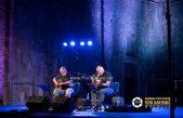 Zoran Predin u intimnoj kastavskoj atmosferi održao sjajan koncert i predstavio knjigu 'Glavom kroz zid'