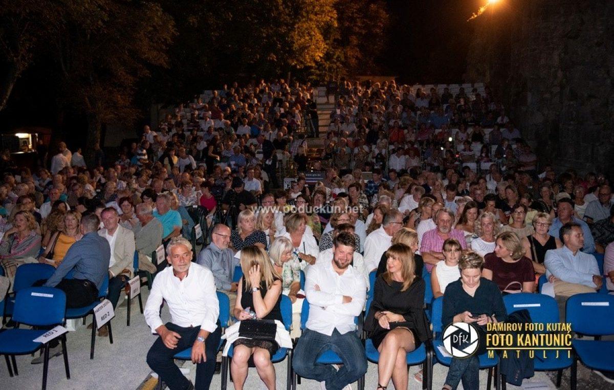 FOTO Vivien Galletta, Martina Majerle, Vjekoslava Jurdana i Daniel Načinović najbolji na jubilarnom Čansonfestu @ Kastav