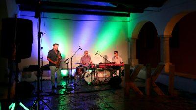 Denis Razz Adjustable Trio zatvorio ovogodišnji Ritam dvorišta 28. Kastafskog kulturnog leta