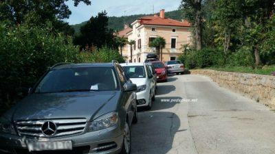 Stanari Ulice poginulih branitelja ogorčeni: Policija nam ispisala kazne na mjestima gdje parkiramo desetljećima