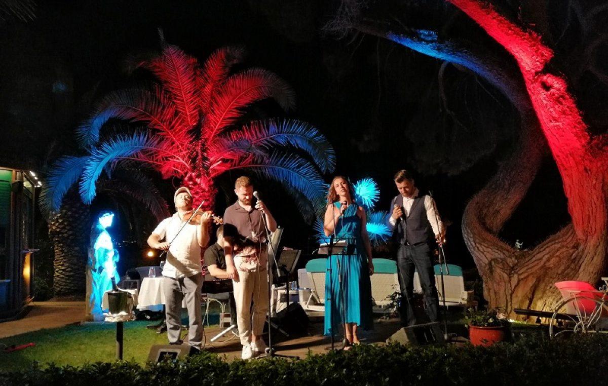 Antonela Đinđić, Matija Cvek, Edgar Rupena i Alen Đuras oduševili publiku gala koncerta 'Music by the sea'