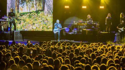 FOTO/VIDEO Eros Ramazzotti oduševio Ljetnu pozornicu spektakularnim koncertom za pamćenje