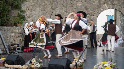 VIDEO/FOTO Četvrto izdanje manifestacije 'Naši tanci i stare užanci' ispunilo Malu ljetnu pozornicu @ Opatija