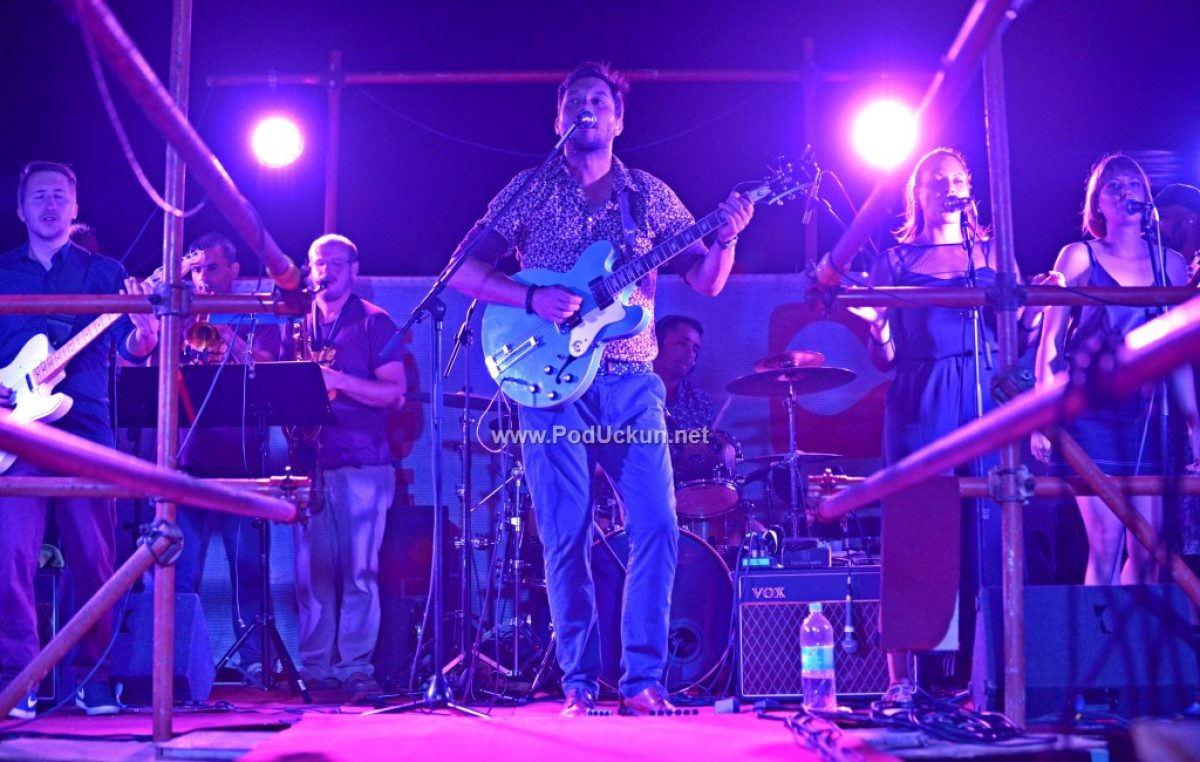 Premijerni Jerry Ricks Blues Festival u Iki začinjen svirkom iznad mora