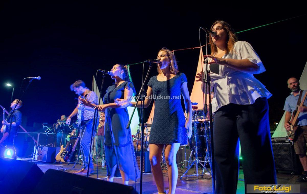 FOTO/VIDEO Matulji Etno Jazz – Matea Majerle, Mario Šimunović i Grapevine babies donijeli dašak world musica i funka u Amfiteatar