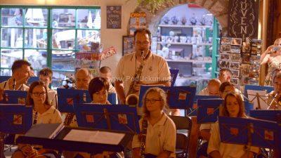 FOTO/VIDEO Ljetni koncert Lovranskih puhača oduševio Lovrance i njihove goste