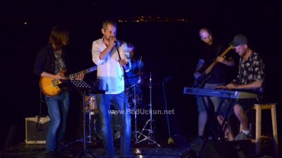 FOTO/VIDEO Riccardo Staraj sa svojim Midnight Blues Bandom ispunio Cocco bar i drašku plažu 'blues energijom'