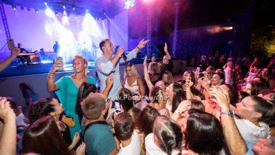 VIDEO/FOTO Sergej Ćetković nastupio pred krcatom Ljetnom pozornicom @ Opatija