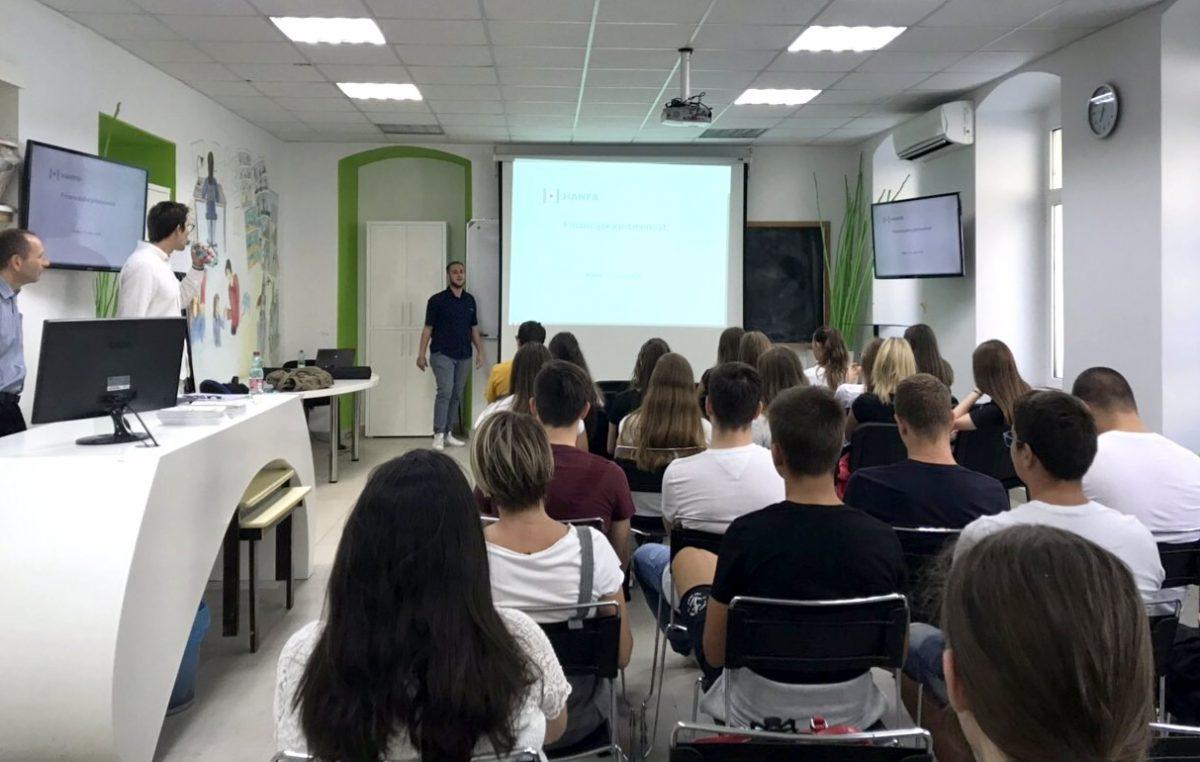 U OKU KAMERE Održano predavanje o financijskoj pismenosti mladih