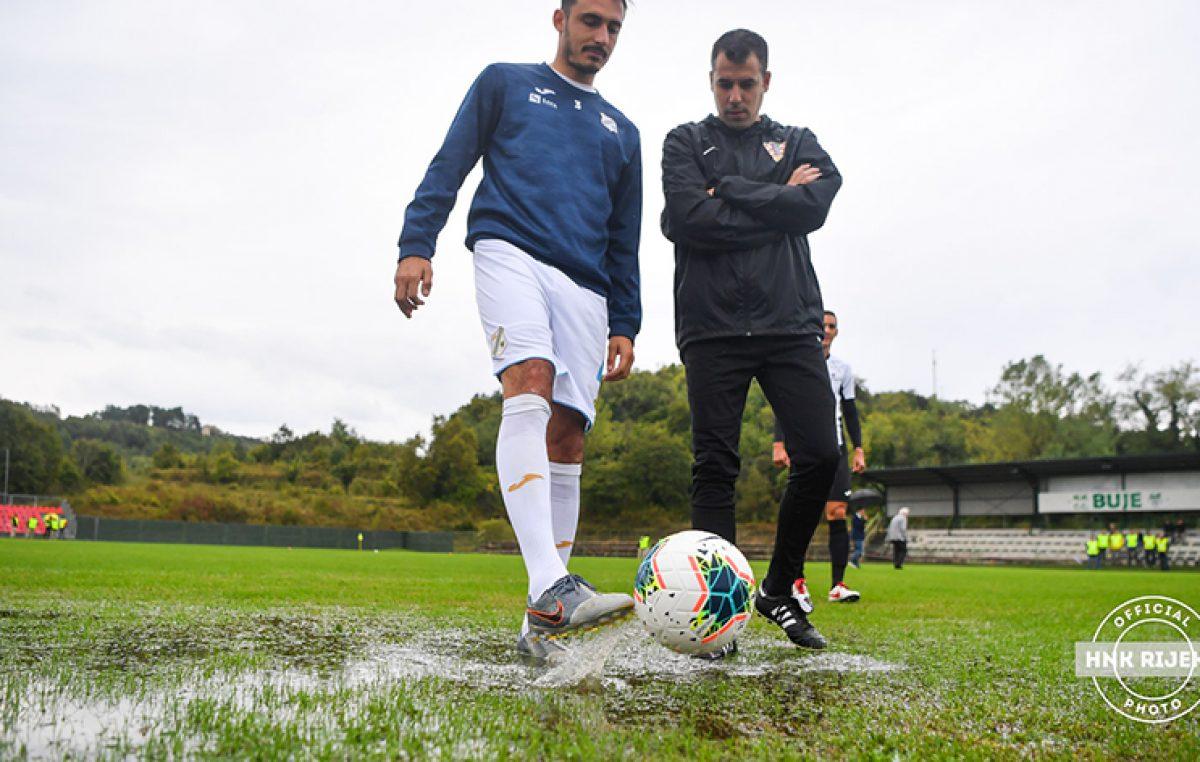 Zbog loših vremenskih uvjeta i natopljenog travnjaka odgođena utakmica Rijeke i Buja
