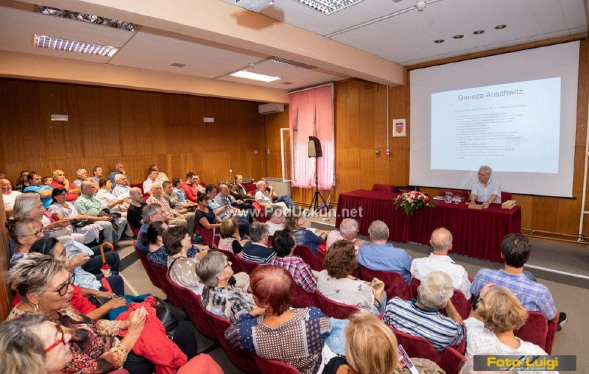 FOTO Geneza Auschwitza – Veliki interes publike za prezentaciju Ryszarda Domasika