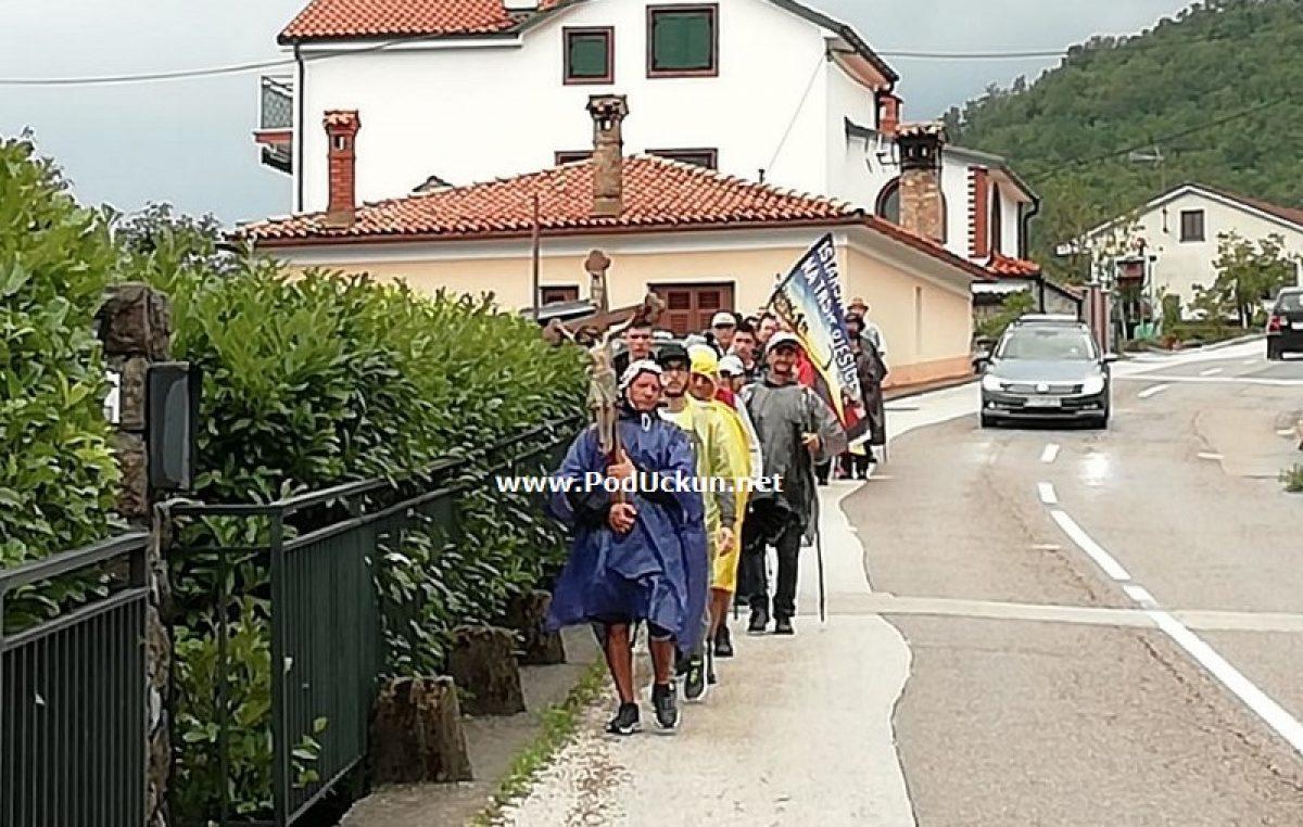 VIDEO Vjernici Porečke i Pulske biskupije na svom tradicionalnom hodočašću na Trsat @ Veprinac