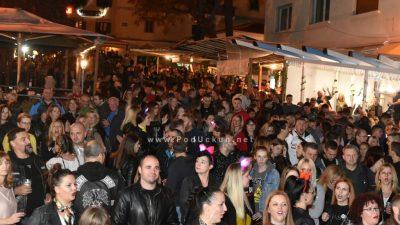 FOTO/VIDEO Odlična fešta do sitnih noćnih sati obilježila prvu večer Bele nedeje