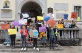 """Dječji vijećnici DGV-a Opatija sudjelovali u šetnji """"Koračajmo zajedno za dječja prava"""" @ Opatija"""
