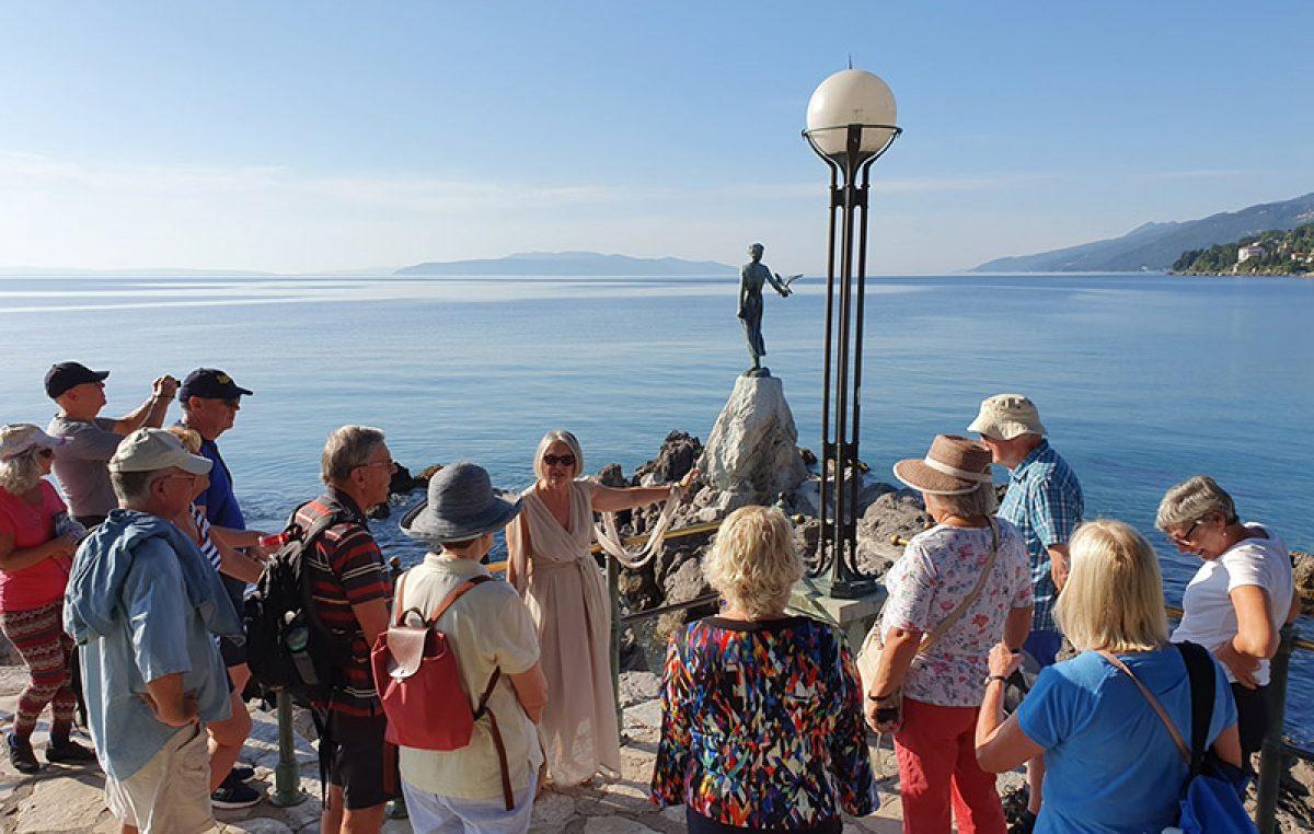 """FOTO Opatijski vremeplov brojnim je gostima predstavio bogatu povijest i tradiciju """"Kraljice Jadrana"""""""