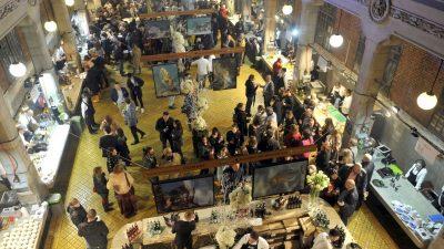 FOTO Riječka ribarnica večeras je bila top restoran u gradu – Brojni gosti uživali u vrhunskim ribljim jelima
