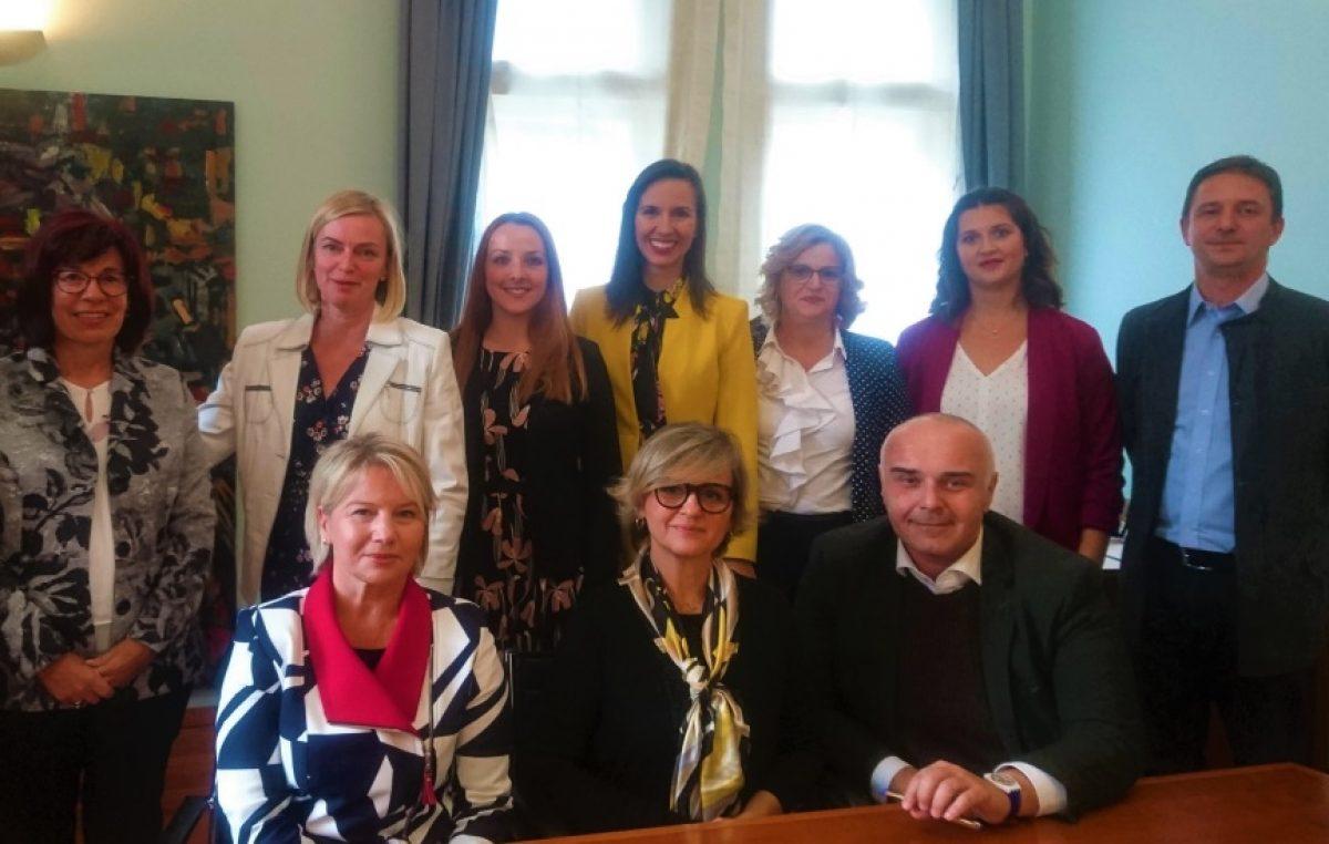 U Rektoratu Sveučilišta u Rijeci potpisani ugovori o financiranju šest znanstvenih projekata s FMTU-a