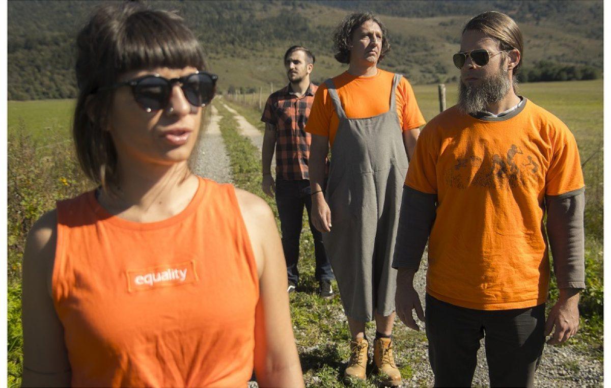 VIDEO Grupa 'Mrave brojim' predstavila spot za pjesmu 'Moje pleme'