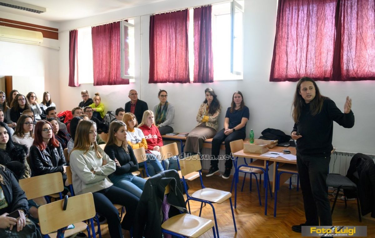 FOTO Filozofski laboratorij – Mia Biturajac i Ivan Cerovac održali dva zanimljiva predavanja @ GEK