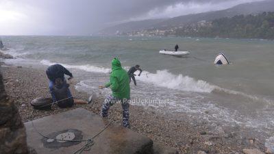 """FOTO/VIDEO Snažno jugo donijelo """"podivljale"""" valove, obilne kiše potopile cijelu Liburniju"""