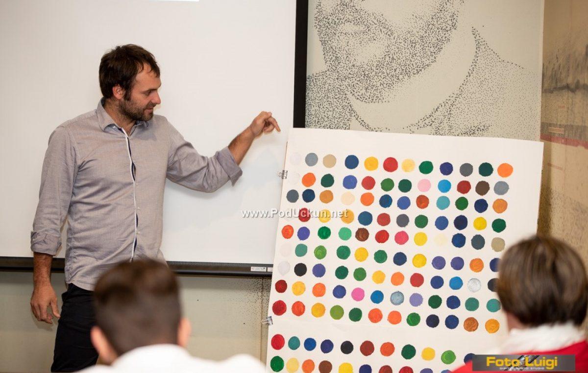 FOTO Dok slikam vidim glazbu, dok sviram čujem boje – Vedran Ružić održao predavanje o povezivanju glazbe i slikarstva