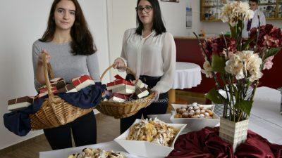 FOTO/VIDEO Prezentiran projekt Ugostiteljske škole Slatki suvenir s porukom