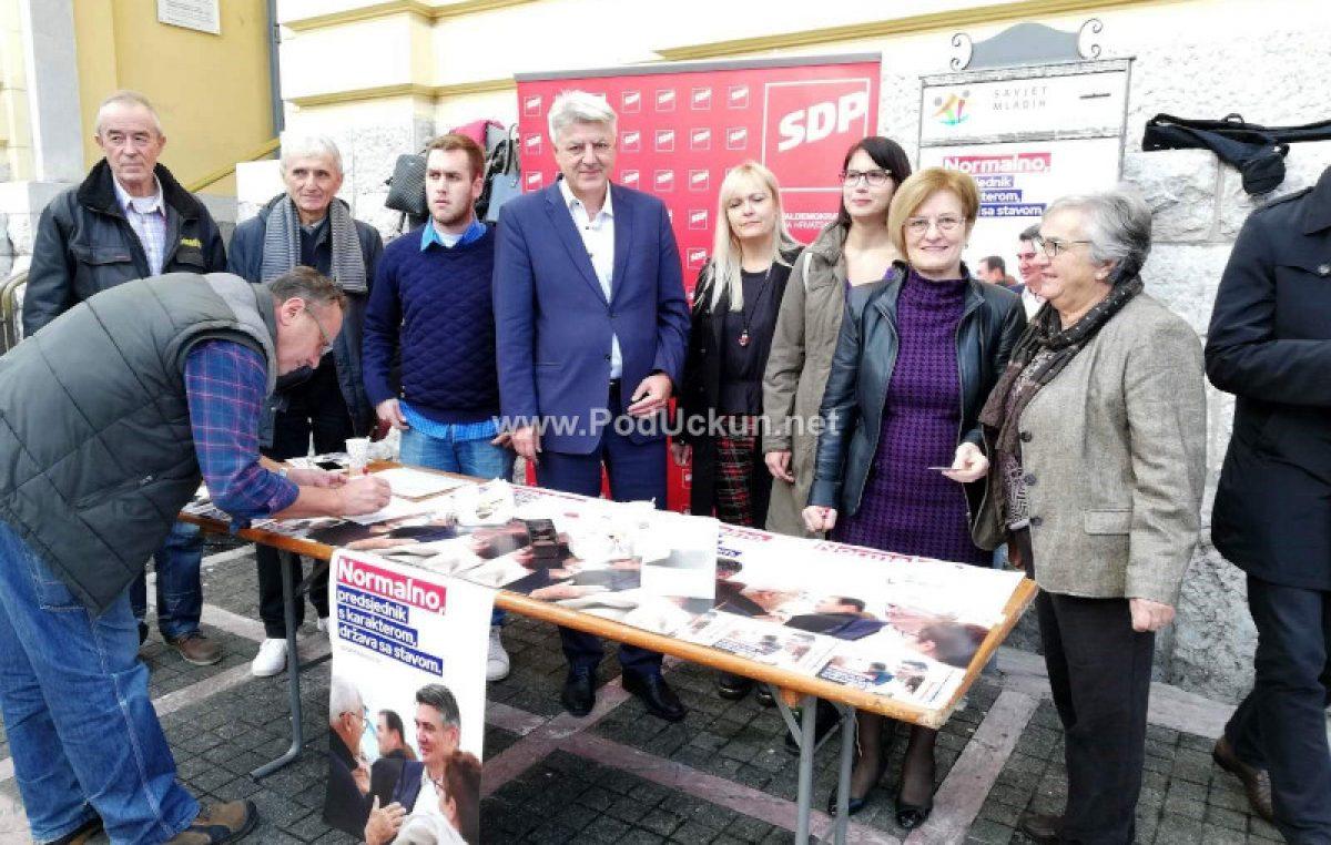 U OKU KAMERE Brojni Opatijci podržali kandidaturu Milanovića, ostali kandidati još nisu krenuli u 'lov na potpise'