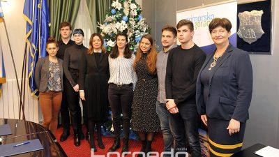 Potpisani ugovori s novih 12 stipendista Primorsko-goranske županije