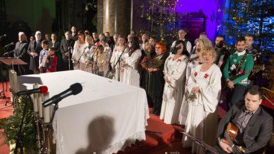 FOTO/VIDEO U spomen na Ivicu Vrkića, Dušana Prašelja i Ivana Pavačića održan tradicionalni koncert 'Božić je judi'