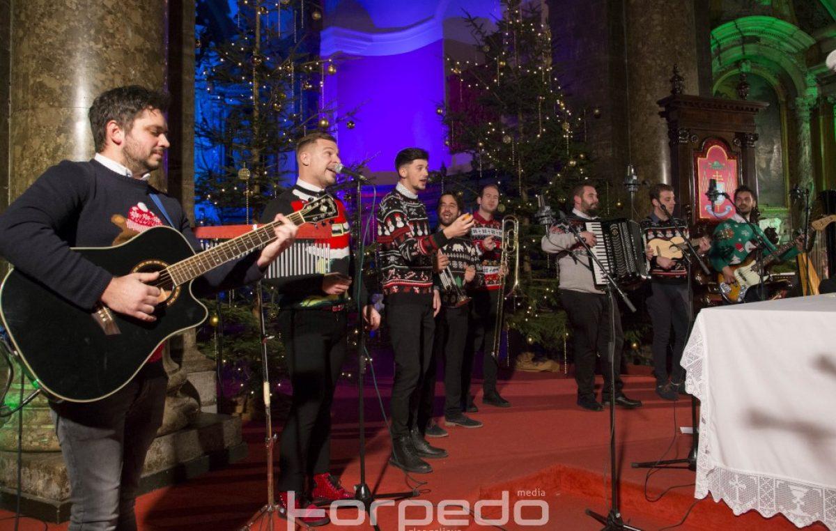 U spomen na Ivicu Vrkića, Dušana Prašelja i Ivana Pavačića održan tradicionalni koncert 'Božić je judi'