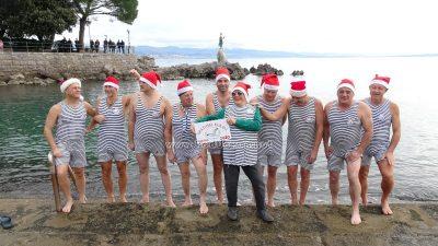 FOTO/VIDEO Opatijski kukali i Betty Jurković najavili 16. novogodišnje kupanje