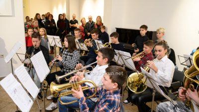 FOTO Božićni koncert polaznika Internog tečaja Puhačkog orkestra Lovran oduševio publiku