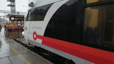 VIDEO/FOTO Vlak je sve popularnija metoda prijevoza u Rijeci: Ugodna i mirna vožnja umjesto gužve na cesti