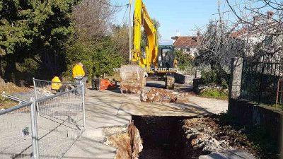 Zbog radova na kanalizacijskoj mreži zatvara se cesta prema plaži i groblju na mjesec dana @ Brseč