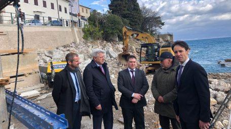 Potpisani ugovori: Mošćenička Draga za izgradnju luke i šetnice dobit će 4 milijuna kuna od ministarstva mora
