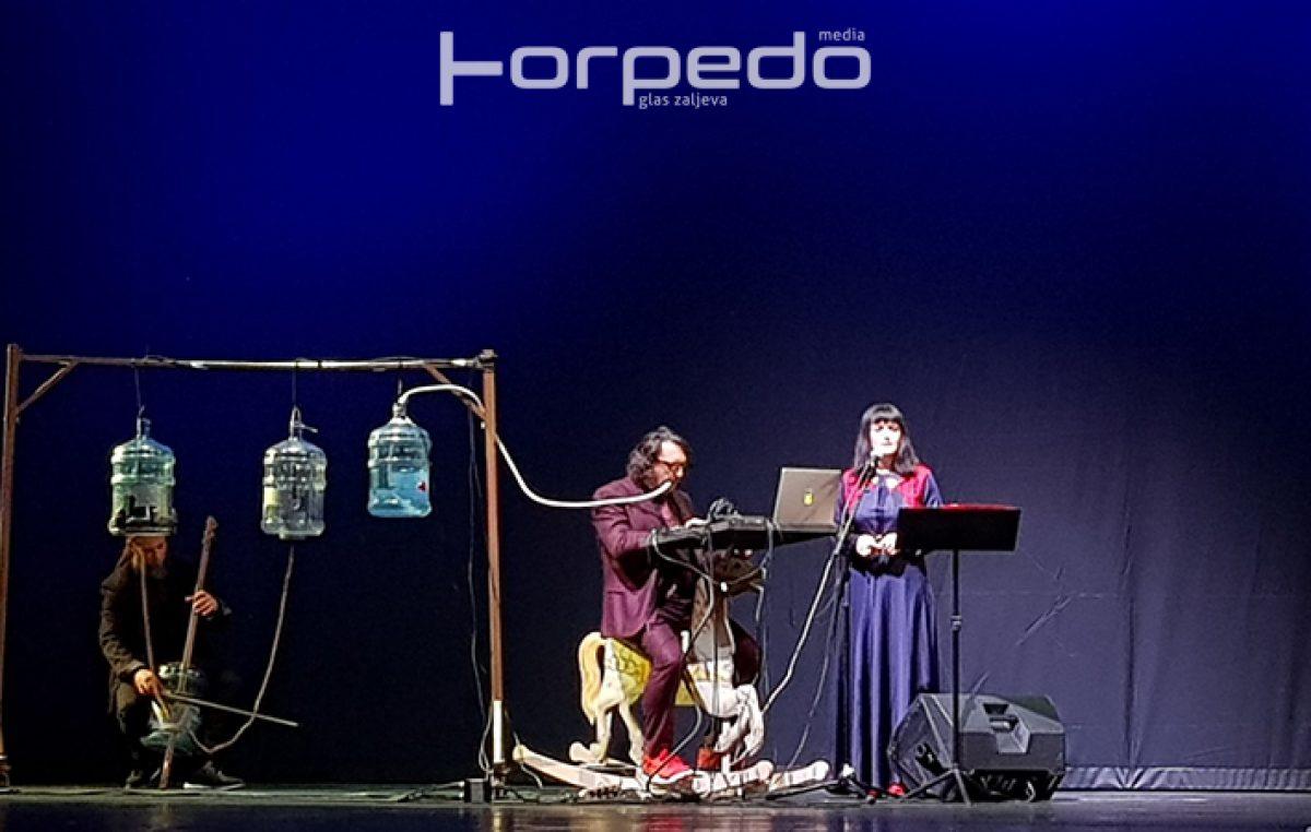 VIDEO/FOTO Kiša, buka, industrija i rock u savršenoj simfoniji: Opera industriale otvorila program EPK