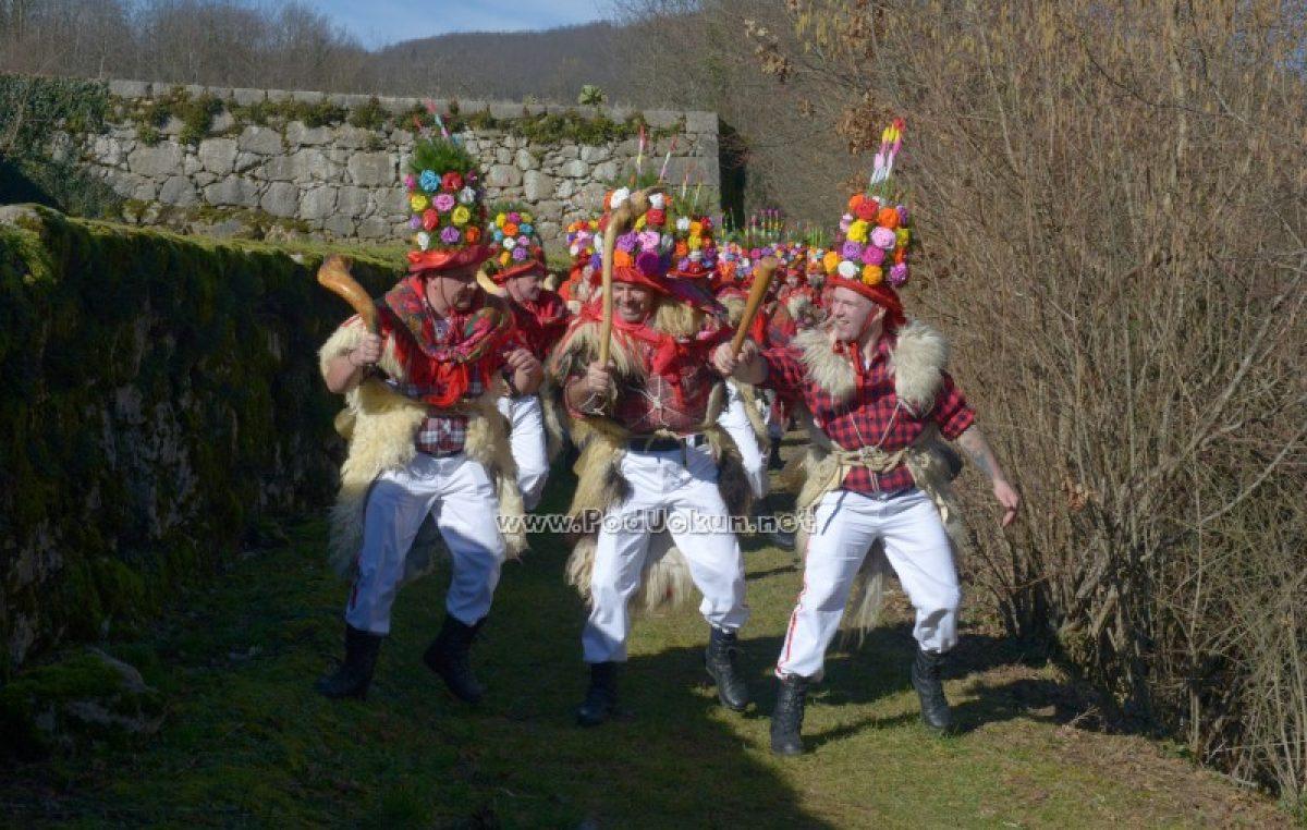 Brgujski zvončari poštovali tradiciju dugu 150 godina i napravili pohod Mučićen