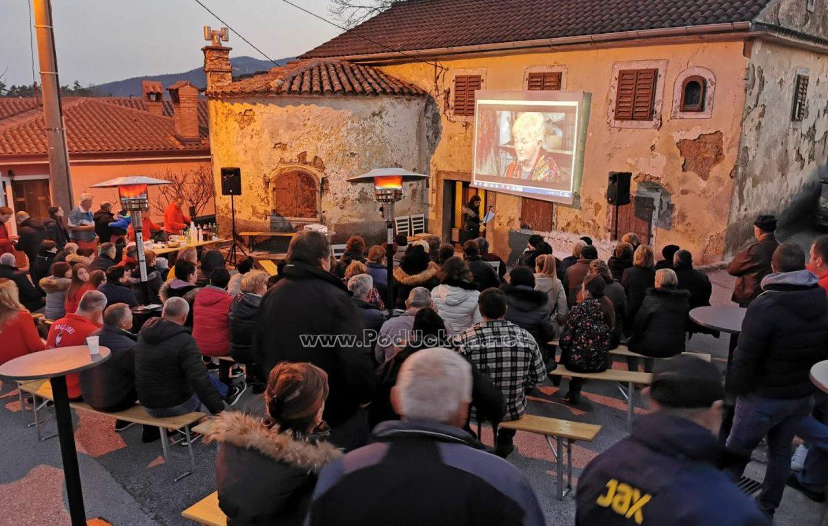 FOTO Veliki interes obilježio premijeru filma 'Pusne užance va Brgudi' autorice Maje Sanković Malkoč