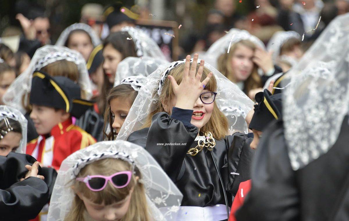 FOTO/VIDEO Parada smijeha, dječeg veselja i kreativnosti: Miće maškare osvojile Opatiju