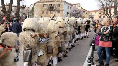 Halubajski zvončari obišli Kastav – Nastavila se tradicija duga više od sedamdeset godina