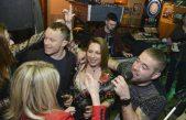 FOTO Velikom feštom uz D'Beni band caffe bar Tin obilježio 15 godina uspješnog rada