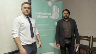 Milijun kuna vrijedan projekt 'Govorimo rukama' osigurat će usluge tumača osobama oštećena sluha