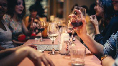 Strože mjere prevencije – Istra zatvara kafiće i restorane na mjesec dana, trgovine će raditi samo do 18 sati