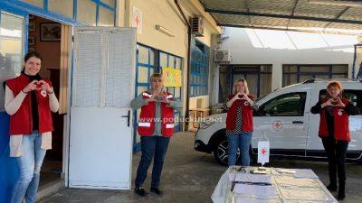 """Crveni križ pozdravlja svoje volontere """"zlatne dobi"""" i poručuje #ostanidoma, mi smo tu za vas"""