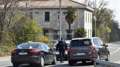 FOTO/VIDEO Ustrojeni policijski punktovi na prilazima u gradove – Provjeravaju se svi vozači i putnici