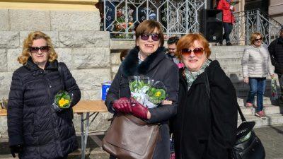 U OKU KAMERE Cvijeće i kafe za 8. mart @ Opatija
