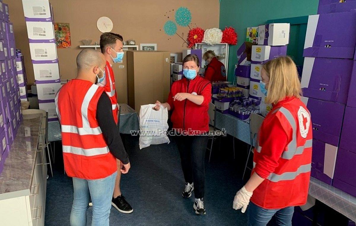 FOTO Stožer Civilne zaštite Grada Opatije donirao zaštitne maske Crvenom križu, policiji, vatrogascima i susjednim općinama