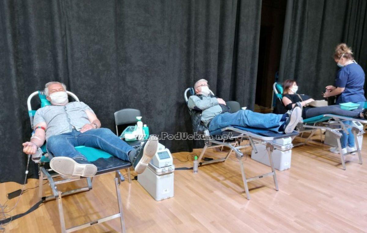 FOTO U Lovranu uspješno provedena akcija darivanja krvi uz 10 novih darivatelja